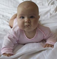 Лысая девочка ребенок фото