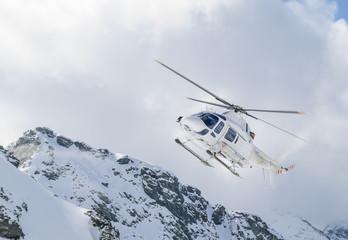Helikopter im Hochgebirge