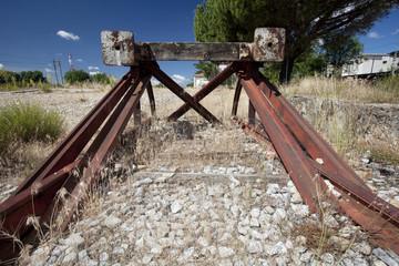 Railroad end bumper