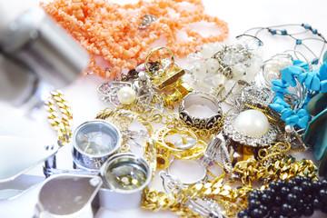 ルーペと宝飾品
