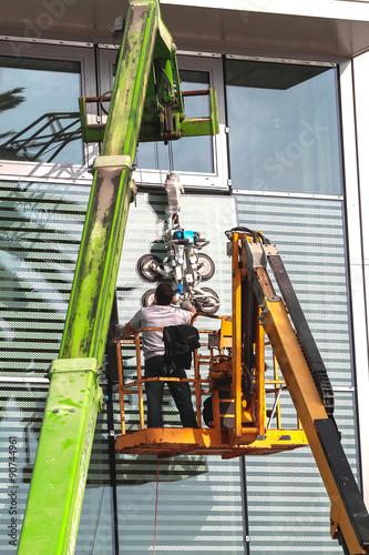 montaggio vetri con ventose