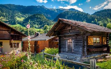 Village savoyard de Beaufort dans les Alpes françaises