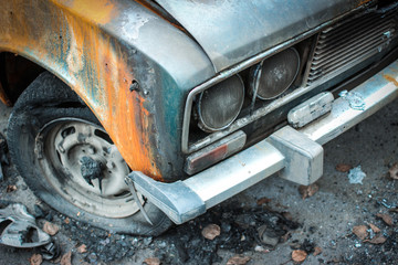 Сгоревший автомобиль