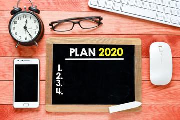 Plan  2020 with keyboard on Blackboard