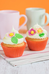 Easter cupcakes decorated with flowers