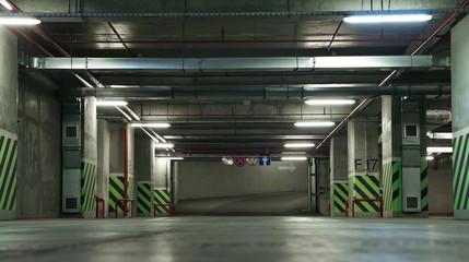 Underground/Empty lower level of an underground parking.