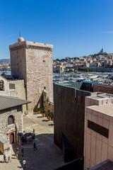 Le fort Saint-Jean et le vieux port à Marseille
