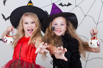 Wall Mural - Happy girls on Halloween party