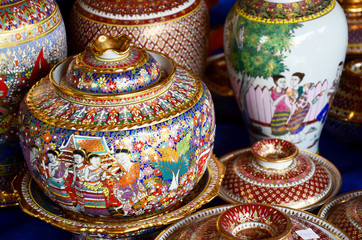 Craft Benjarong is traditional thai five basic colors style pott