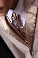 Seidenkragen und Krawatte