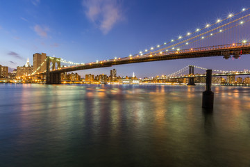 Wall Mural - Brooklyn bridge and Manhattan bridge at night