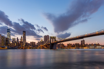 Wall Mural - Brooklyn bridge and downtown New York City in beautiful sunset