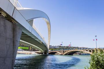 Le Pont Raymond Barre entre Gerland et Confluence