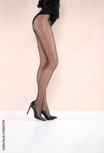 beautiful-legs-in-pantyhose