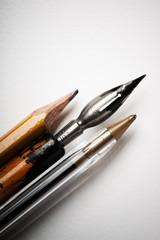 Bleistift, Feder, Kugelschreiber