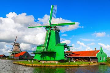historische Windmühle in Zaanse Schans, Niederlande
