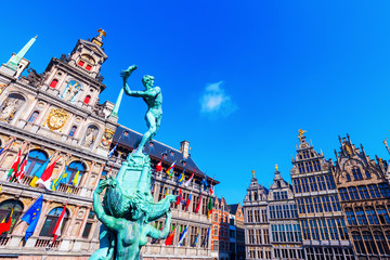 Door stickers Antwerp historisches Rathaus am Grote Markt in Antwerpen, Belgien