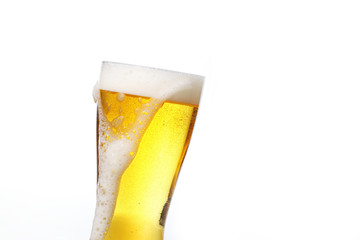 ビール Pouring beer into glass