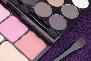 pink and brown tone make up palette
