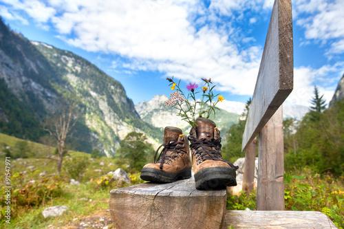 Wanderschuhe in den Bergen - Pause