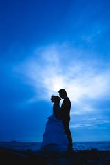 sillhouette couple scene in love