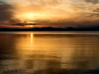 tramonto, lago di bolsena