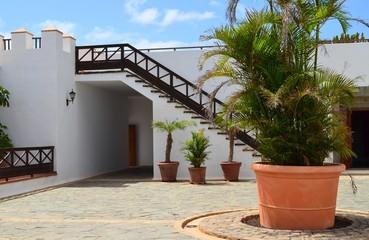 Spanischer Innenhof bilder und suchen spanischer innenhof