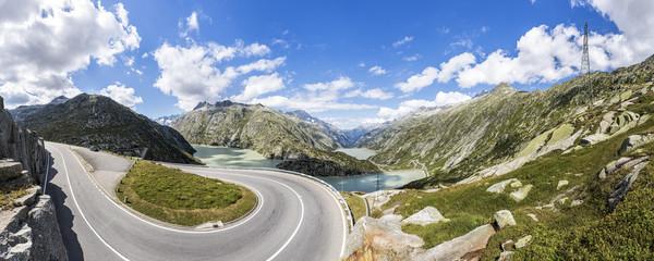 Passstraße zum Grimsel im Berner Oberland in der Schweiz