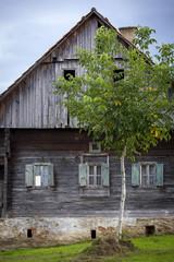altes verfallenes Bauernhaus in der Steiermark, Österreich