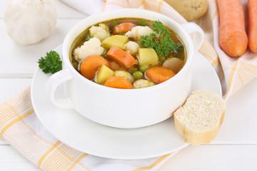 Gemüsesuppe Gemüse Suppe in Suppentasse