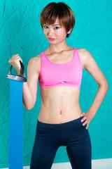 ストレッチ、トレーニングの女性
