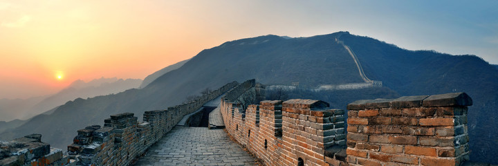 Foto op Aluminium Chinese Muur Great Wall sunset panorama