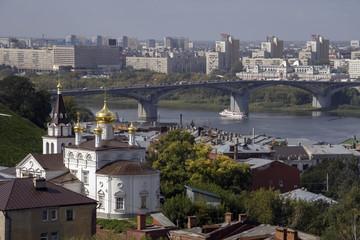 Вид Нижнего Новгорода с кремлевской стены. Мост через Оку.