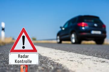 Achtung Radar Kontrolle Schild