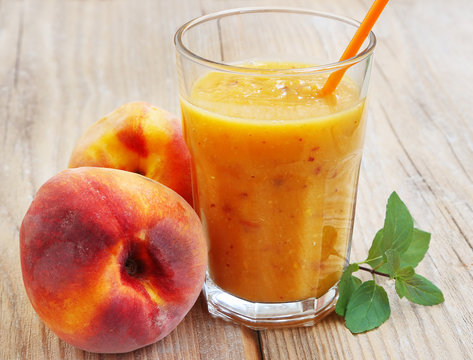 Healthy Peaches Smoothie in a Glass