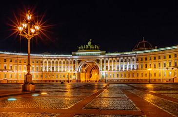 Palace sqare in Saint Petersburg at night