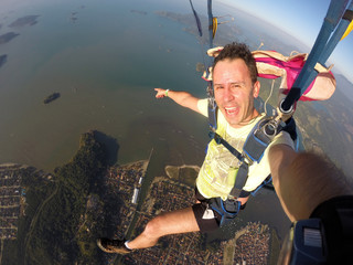 Skydiving - Practice tourism in Brazilian skies