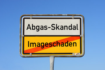 Abgas-Skandal Schild © Matthias Buehner