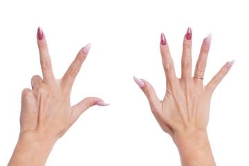 Frauenhände zeigen Nummer Acht