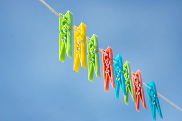 color plastic clothespegs