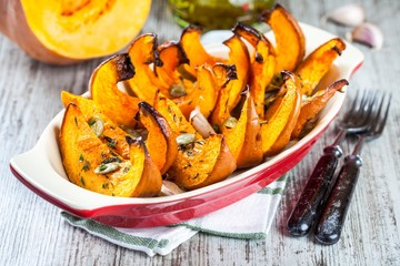 baked pumpkin with thyme and seeds