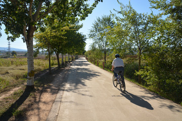 ruta en bicicleta por el campo