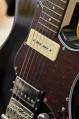 Musikinstrument Elektrogitarre im Musikgeschäft