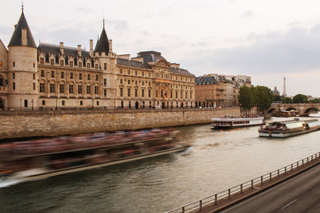Ile de la Cite and conciergerie at sunrise - Paris