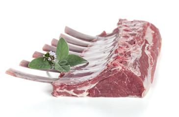 Rohes Lammfleisch freigestellt