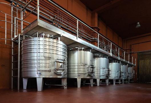 Metal tanks for wine fermentation process