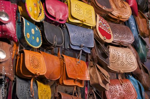 Где купить кожаную сумку в алании