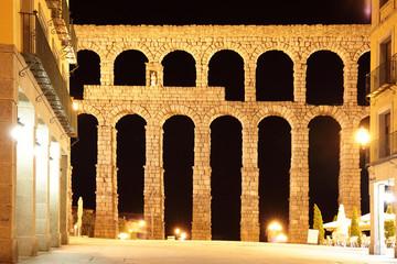 Wall Mural - Aqueduct in Segovia at night