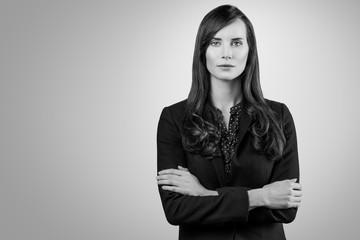 Schwarz-Weiß Portrait einer schönen jungen Frau