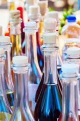 Flaschen mit selbstgemachtem Likör